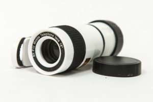 The FlatLED 8X Smartphone Telephoto Lens